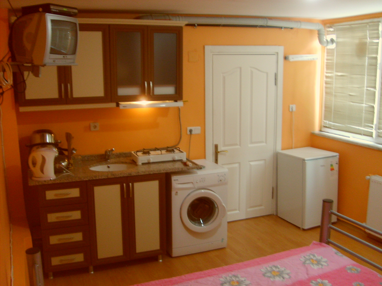 Istanbul apartment rentals erasmus apartments erasmus for Kitchen and bedroom designs
